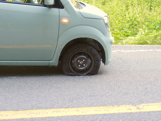 eneos-card-tire-punctured